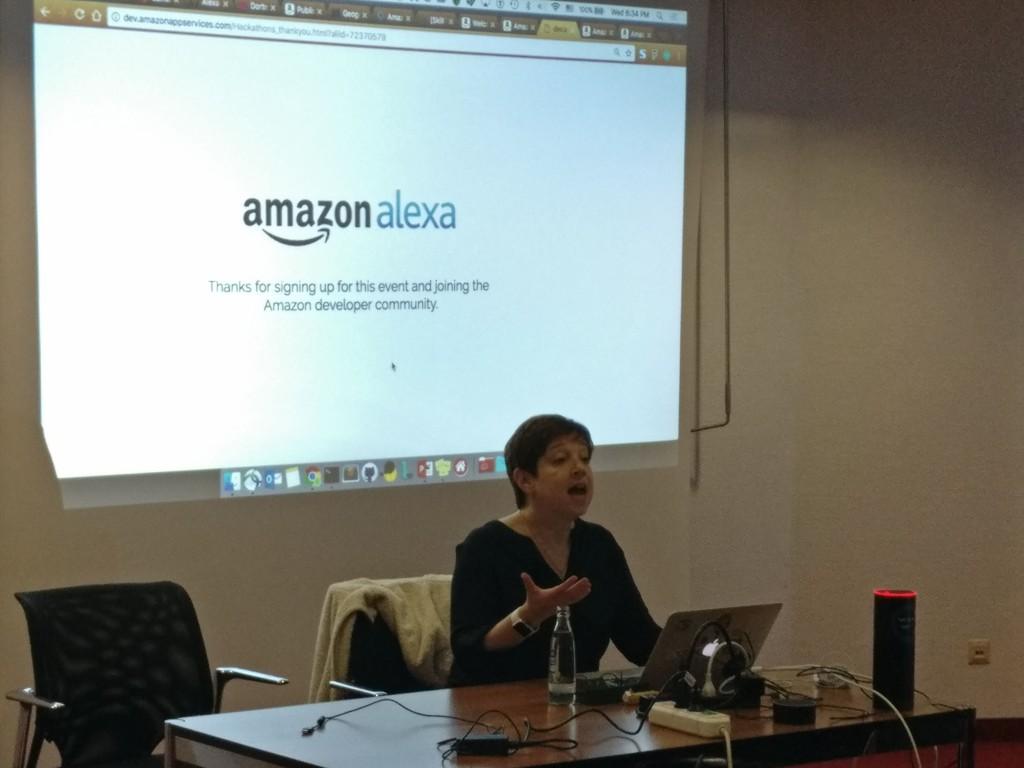 Liz Myers erklärt Amazon Alexa